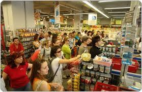 Ν. Ιωνία ΜΑΓΝΗΣΙΑΣ : Πολιόρκησαν σούπερ- μάρκετ για τρόφιμα !
